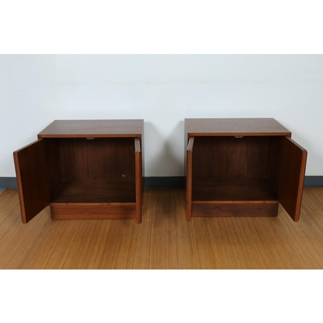 Brown & Saltman for John Keal Nightstands - A Pair For Sale - Image 5 of 11