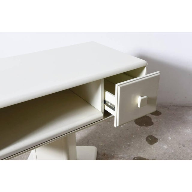 1970s Adjustable White Counter Display, Vanity Table, Made in Italy For Sale - Image 5 of 9
