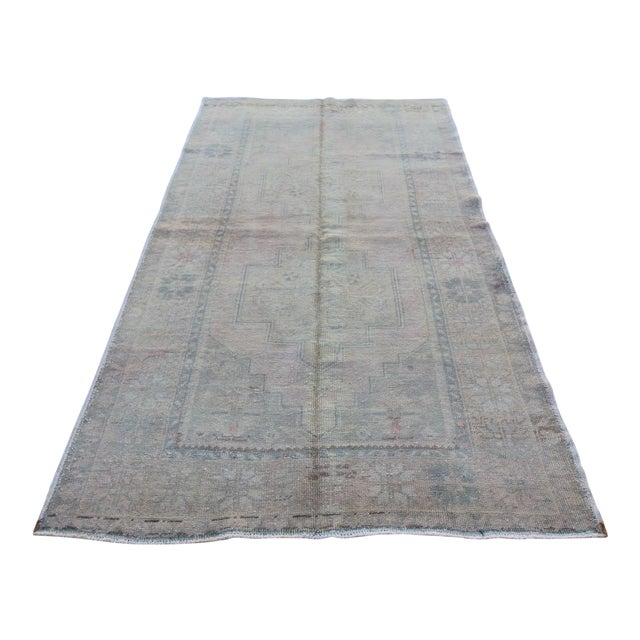 Mid 20th C. Vintage Antique Tribal Oushak Neutral Soft Hand Knotted Turkish Rug - 4'9 X 8'7 For Sale