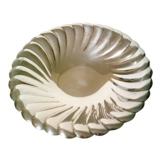 WM Rogers Waverly Round Fluted Tray