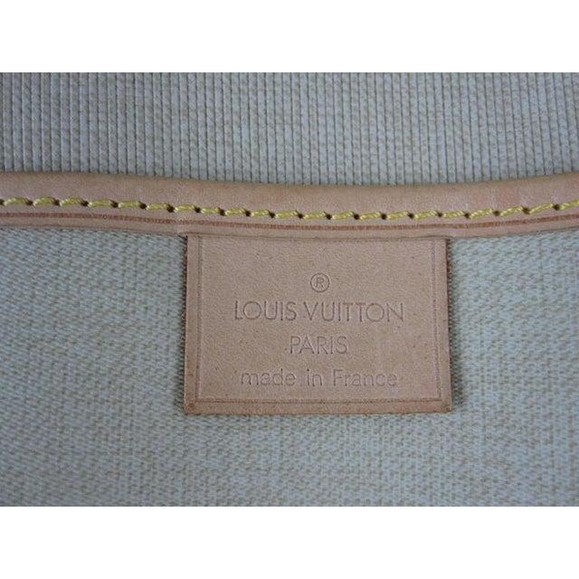 Louis Vuitton Vintage LV Monogram Excursion Travel Shoe Bag W/ Padlock & Dustbag For Sale - Image 9 of 11