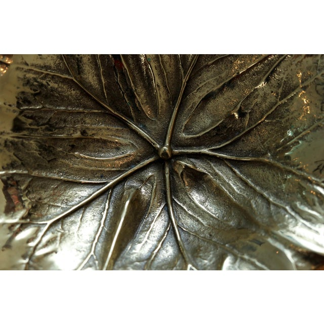 1940s 1948 Virginia Metalcrafters Mayapple Leaf Brass Dish For Sale - Image 5 of 7