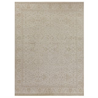 Vith Ivory Hand knotted Wool Area Rug - 8'x10' For Sale