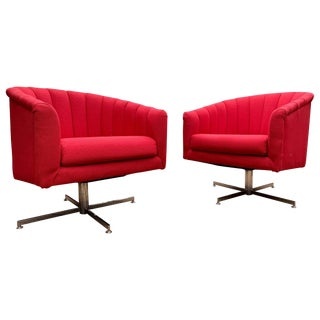 Stunning Pair of Milo Baughman Barrel Back Swivel Lounge Chairs on Chrome Bases For Sale