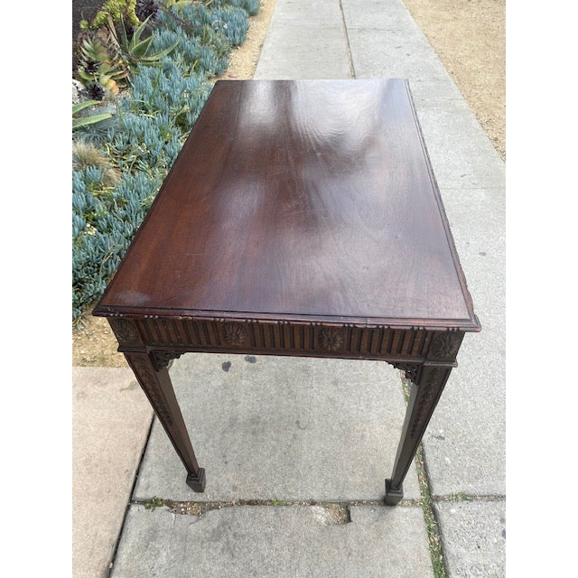 Fine 19th C. English / Irish Mahogony Tea Table For Sale - Image 11 of 12