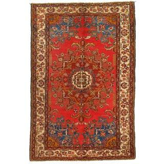 1950s Vintage Persian Tafresh Hand-Knotted Rug-4′4'x6′7″ For Sale