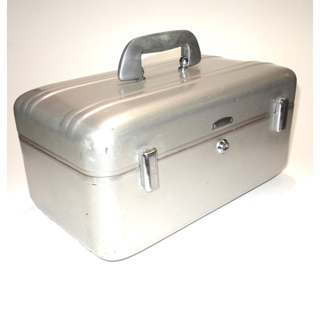 Art Deco Halliburton Mid Century Cinematographers Mid Size Carry Case. Excellent. ON SALE. For Sale - Image 3 of 10