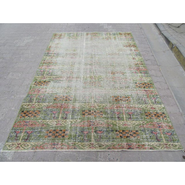 Hand Knotted Vintage rug from Oushak region of Turkey. Approximately 45-55 years old. In very good condition.