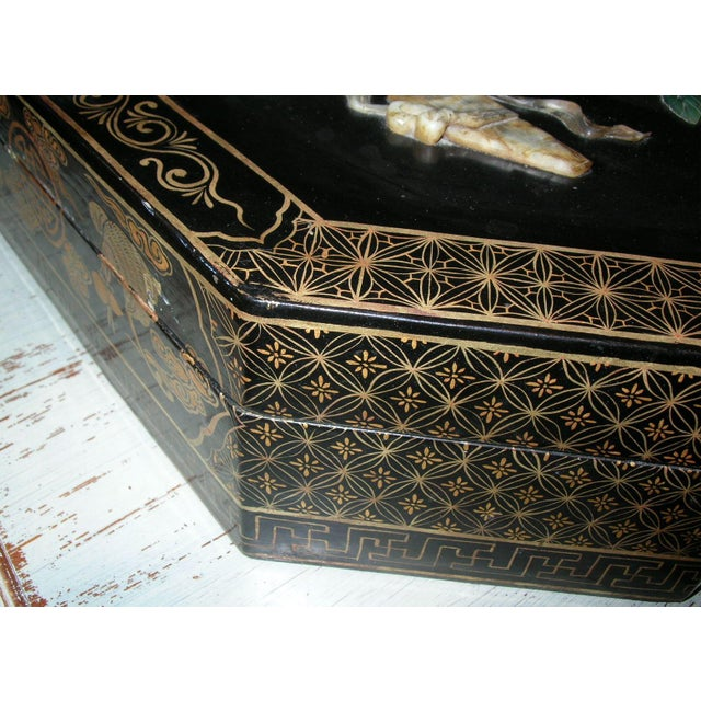 Antique Chinese Black Lacquer Hexagonal Box For Sale In New York - Image 6 of 10