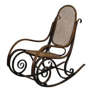 Thonet's Rocking Chair From the Early 1900s Model No.1 For Sale