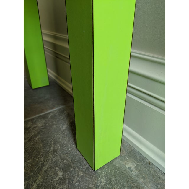1980s Vintage Milo Baughman Style Lime Green Laminate Parsons Side Table For Sale - Image 6 of 9