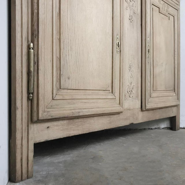 Grand 19th Century Country French Louis XVI Corner Cabinet For Sale - Image 9 of 13