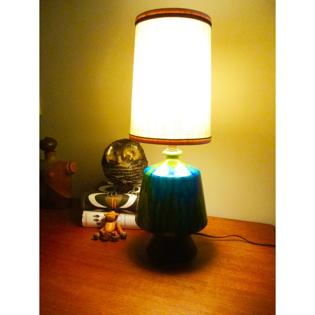 Mid-Century Modern Turquoise Ceramic Table Lamp - Image 3 of 11