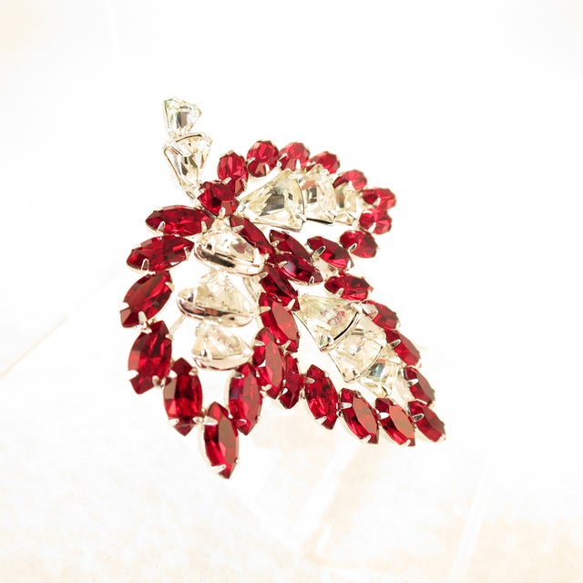 Mid-Century Modern Vendome Ruby Crystal Leaf Brooch 1950s For Sale - Image 3 of 12
