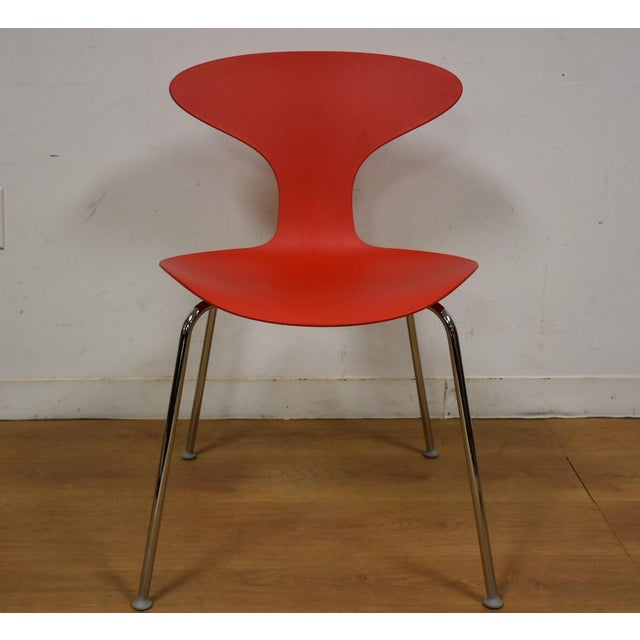 This listing is for one mid century modern style dining or side desk chair made by Bernhardt Furniture with chrome legs...