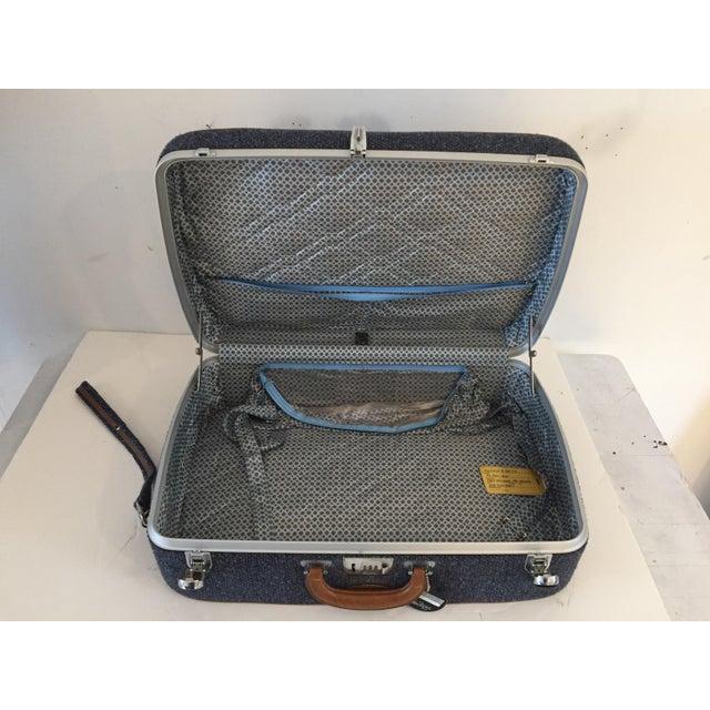 Vintage Luggage Blue Tweed Med Suitcase 25 X18 X 7.5 For Sale - Image 4 of 7