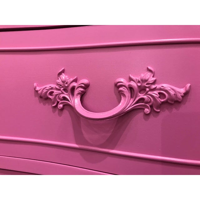 Metal 1960s Dixie French Provincial Pink Triple Dresser For Sale - Image 7 of 9