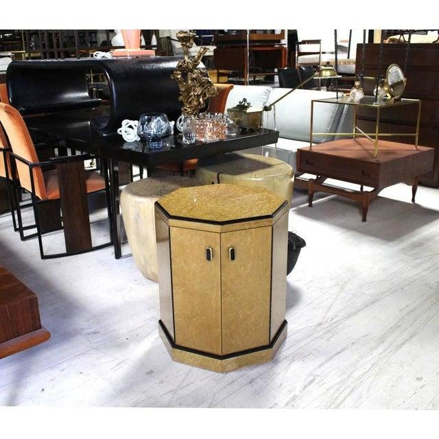 Mid-Century Modern Birds Eye Maple Side Table Pedestal For Sale - Image 3 of 9