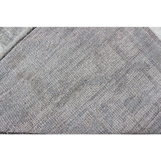 Vintage Gray Oushak Style Rug- 8′6″ × 11′6″ For Sale In Atlanta - Image 6 of 7