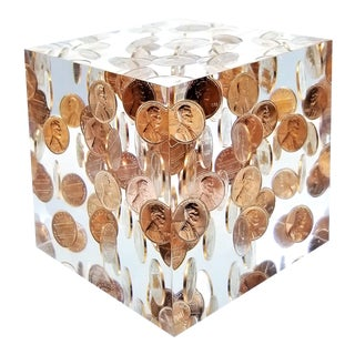 """Pop Art Mid Century Modern Lucite Sculpture of Pennies Dated 1972 - Large 4"""" Cube - Andy Warhol Era For Sale"""