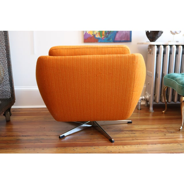 Orange Mid-Century Swivel Chair For Sale - Image 5 of 6