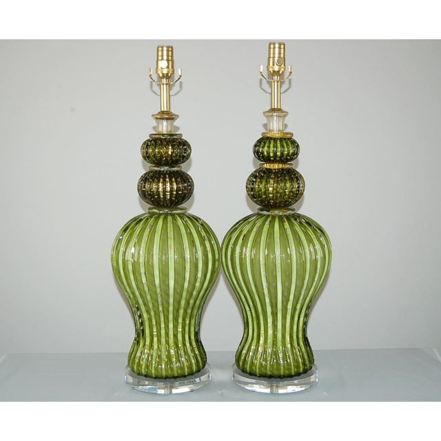 A spectacular combination of Hollywood Regency glamour and Barovier & Toso style in AVOCADO GREEN. Each Venetian glass...