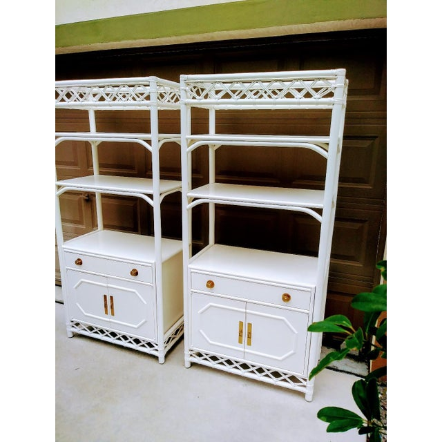 Asian Vintage Ficks Reed White Rattan Palm Beach Regency Etagere Tall Display Cabinets- a Pair For Sale - Image 3 of 8