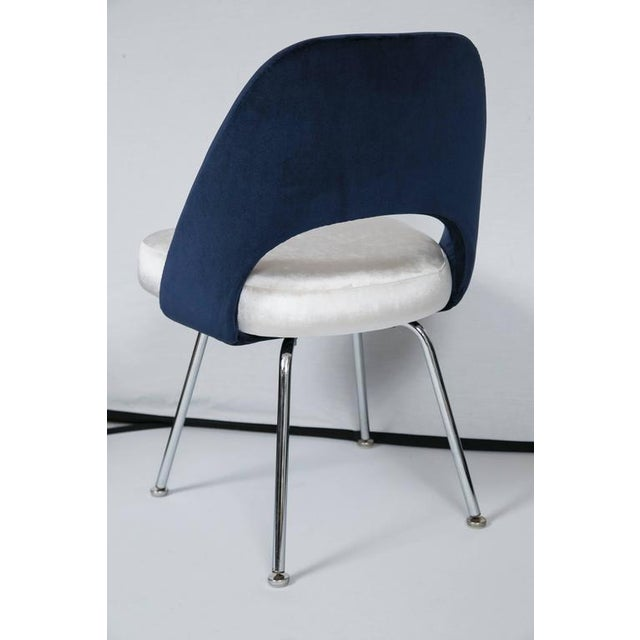 Saarinen Executive Armless Chairs in Ivory/Navy Velvet, Set of Six - Image 7 of 10