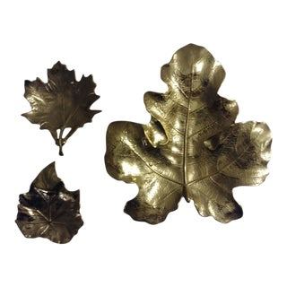 1940s Vintage Virginia Metalcrafters Brass Leaf Dishes - Set of 3 For Sale