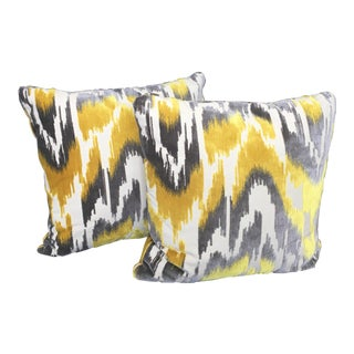 Contemporary Century Furniture Silver and Yellow Ikat Velvet Pattern Pillow - 20 X 20 For Sale