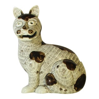 Rockefeller Collection of Mottahedeh Kang Hsi Cat For Sale