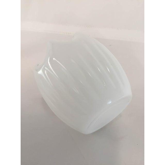 Midcentury Modern Milk Glass Ruffle Vase For Sale In New York - Image 6 of 7