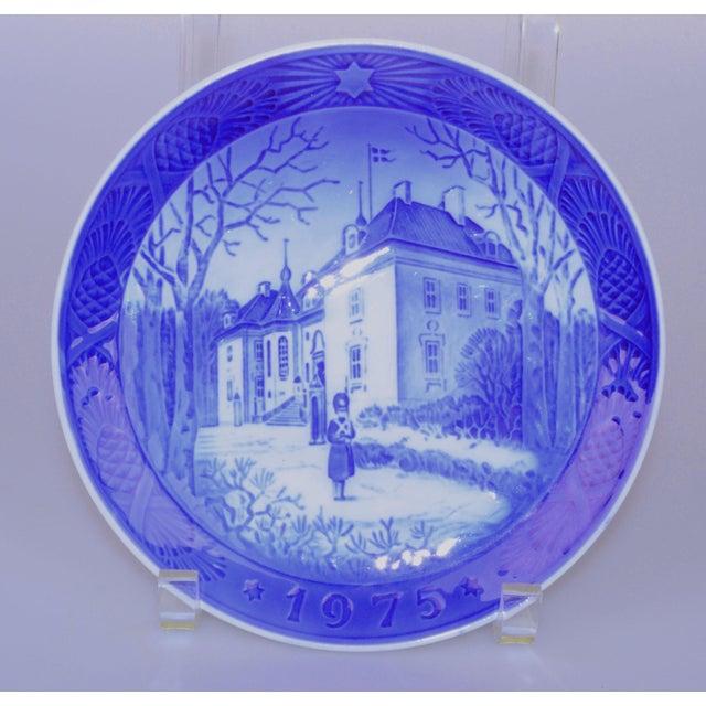 Royal Copenhagen Christmas Plate, 1975 For Sale - Image 5 of 5