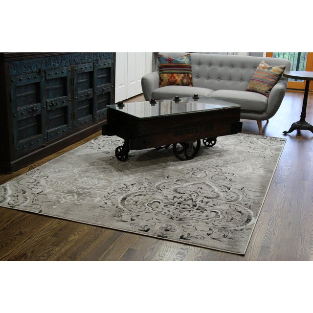 "Damask Gray & White Rug- 5'3"" x 7'7"" For Sale - Image 5 of 8"