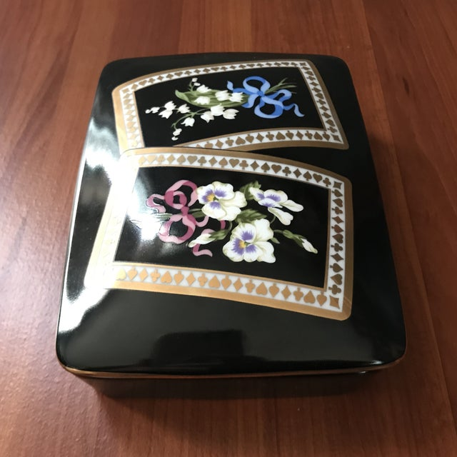 Hollywood Regency Vintage Sybil Connolly Tiffany & Co Ceramic Floral Playing Card Holder Case For Sale - Image 3 of 11