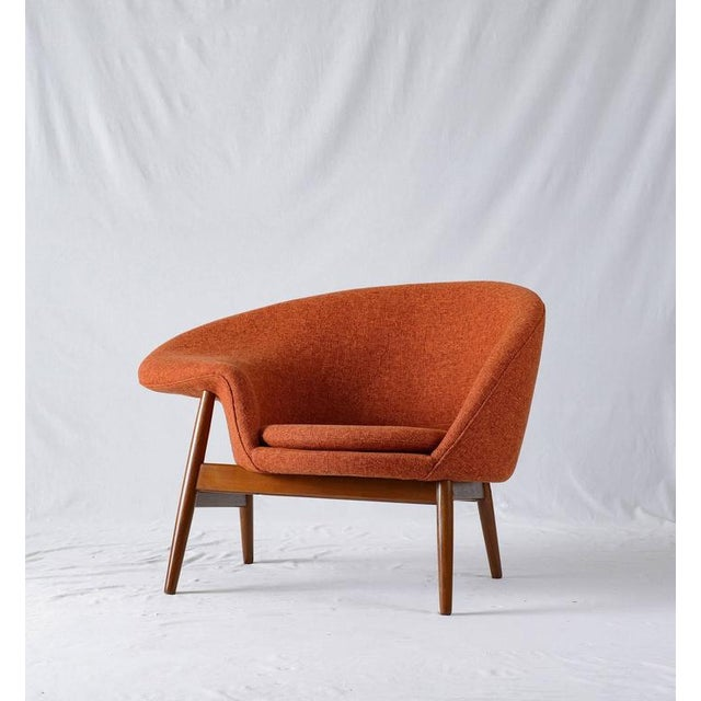 "Contemporary Hans Olsen ""Fried Egg"" Lounge Chair For Sale - Image 3 of 8"