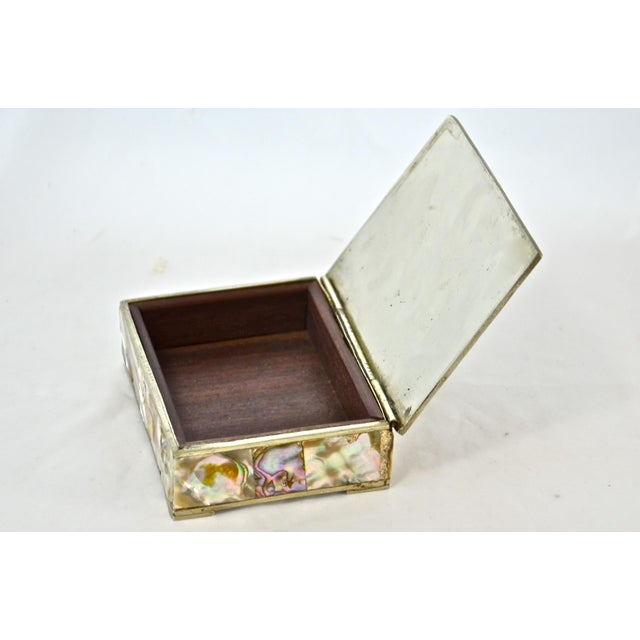 Mid 20th Century 1960s Inlaid Abalone & Silver Box For Sale - Image 5 of 6
