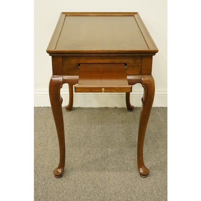 Wood 20th Century Georgian Ethan Allen Accent End / Tea Table For Sale - Image 7 of 13