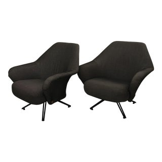 Pair of Original P32 Tecno Lounge Chairs For Sale