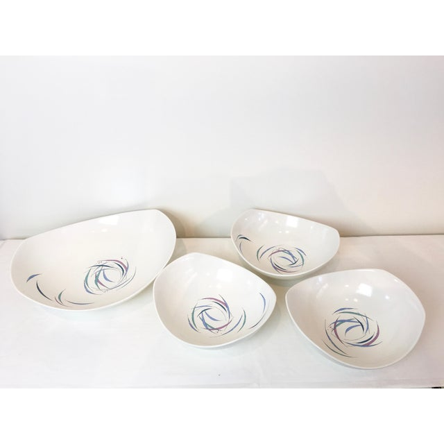 Vintage 1950s Raymor Universal Sans Souci Pattern Serving Platters & Bowls Set, 7 Pieces For Sale In Las Vegas - Image 6 of 10