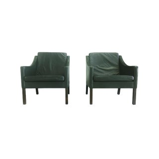 Midcentury Børge Mogensen Dark Green Leather Lounge Chairs - a Pair For Sale