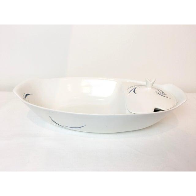 Raymor Vintage 1950s Raymor Universal Sans Souci Ben Seibel Divided Lidded Spaghetti Bowl For Sale - Image 4 of 8