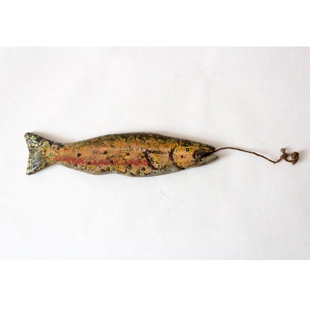 """Vintage 1930s fishing decoy, handmade and in original paint. Rope adds 4.63"""" to height."""