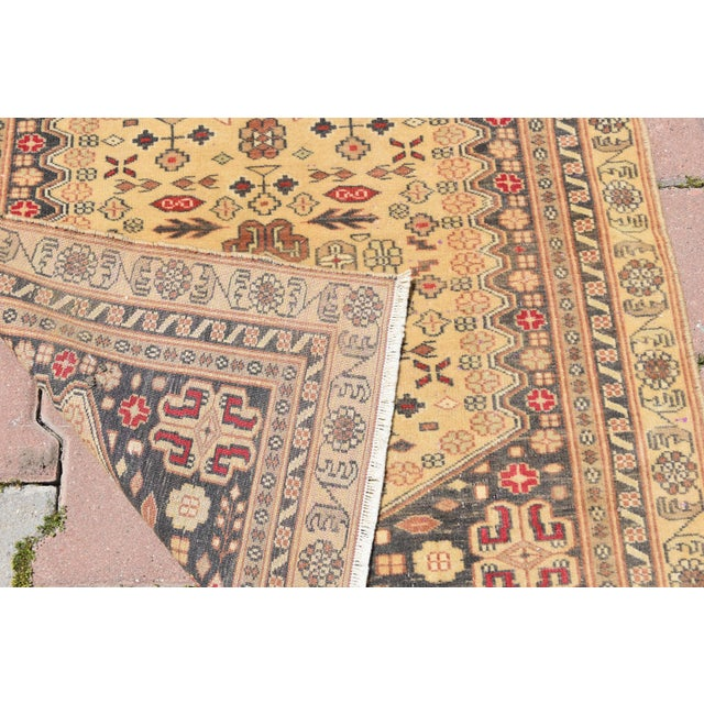 Vintage Handmade Turkish Almond Rug - 2′9″ × 3′1″ For Sale In San Francisco - Image 6 of 6