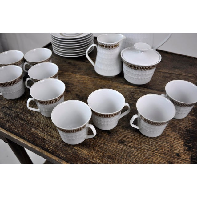 Gold Winterling Marktleuthen Bavaria Mid-Century Modern Embossed Diamonds Coffee Pot Porcelain 23 Pieces Set For Sale - Image 8 of 10