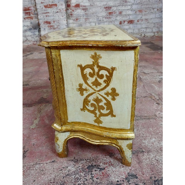 Antique Italian Florentine Small Gilt-Wood Commodes -A Pair For Sale In Los Angeles - Image 6 of 10