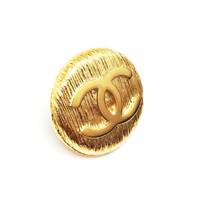 1980s Classic CC Logo Punch Pin by Chanel For Sale - Image 5 of 5