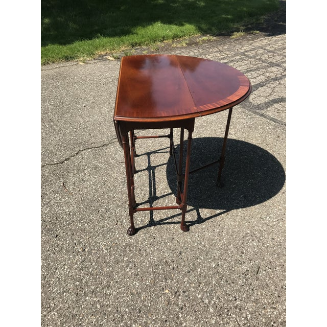 Late 20th Century Traditional Claw Foot Walnut Side Table by Baker Furniture For Sale - Image 5 of 10