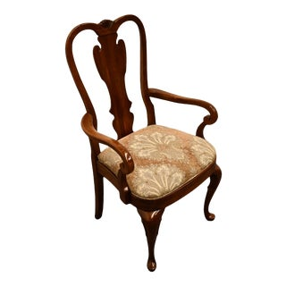 Late 20th Century Pennsylvania House Solid Cherry Traditional Style Queen Anne Splat Back Dining Arm Chair For Sale