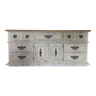 Broyhill Country Farmhouse Style Dresser For Sale